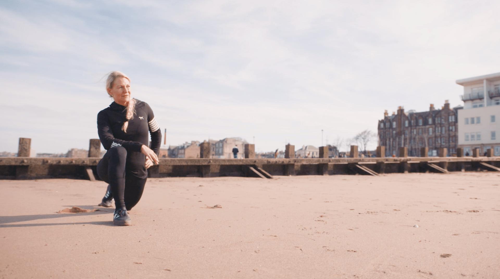 Un dévouement sans faille, un sens aigu de l'organisation et une vision à long terme sont autant d'atouts puisés dans le powerlifting qui font d'Anneli Ritari-Stewart une des principales actrices modernes de l'économie numérique d'aujourd'hui. – Anneli Ritari-Stewart, Championne de powerlifting, Écosse